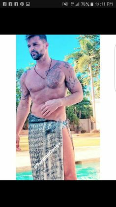 Undoubtedly ricky Martin and your partner Jwan Yosef 34 years old have given us adorable moments during their beautiful relationship. Just a few days ago the singer shared some sexy photos with. Sexy Tattooed Men, Hot Guys Tattoos, Hunks Men, Hommes Sexy, Muscular Men, Attractive Men, Male Beauty, Sensual, Gorgeous Men