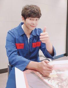 Korean Idols, Korean Dramas, Korean Actors, Kyun Sang, Pink Fuzzy Sweater, Netflix Horror, Actors & Actresses, Kdrama, Appreciation