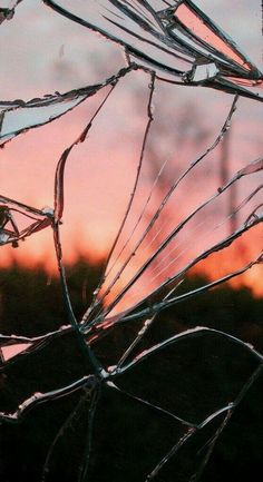 Cracked Glass iPhone Wallpaper Free – GetintoPik - Best of Wallpapers for Andriod and ios Iphone 7 Wallpaper Backgrounds, 3d Wallpaper For Phone, Whatsapp Wallpaper, Tumblr Backgrounds, Homescreen Wallpaper, Cute Backgrounds, Photo Wallpaper, Walpaper Iphone, Nature Wallpaper