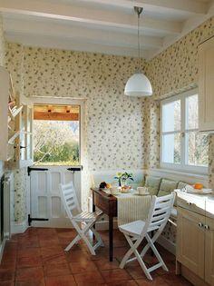 Un office muy luminoso cortinas en lola geijo papel - Laura ashley madrid ...