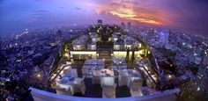 1. Banyan Tree (Bangkok, Thailand) Dit hotel in Thailand staat bekend om het prachtige uitzicht over de stad. Helemaal op de top, 61 verdiepingen boven de straten van Bangkok, staat de Vertigo bar.