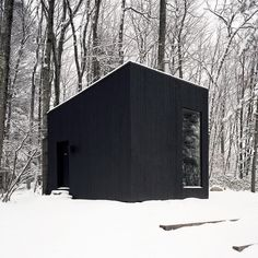 One room library cabin in New York by Studio Padron. #architectureinteriorO2T #currentmoodO2T