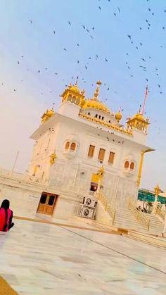 Sikh Quotes, Gurbani Quotes, Love Song Quotes, Good Thoughts Quotes, Guru Nanak Ji, Nanak Dev Ji, Guru Nanak Photo, Cool Instagram Pictures, Instagram Story Ideas