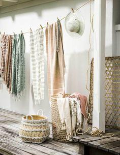 clothesline with hammam towels Deco Pastel, Corner Furniture, Market Displays, Living Styles, Textiles, Slow Living, Clothes Line, Luxury Living, Bohemian Decor