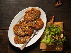 Mangalorean Chicken Ghee Roast : A favorite at home - Sinamon Tales Indian Chicken Recipes, Indian Dessert Recipes, Ethnic Recipes, Indian Recipes, Beer Recipes, Roast Recipes, Cooking Recipes, Bread Pizza Recipe Indian, Ramadan Recipes