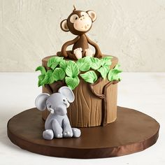 Jungle Cake -Cake by Etty monkey elephant would be cute for Bayson's personal smash cake Jungle Birthday Cakes, Jungle Safari Cake, Jungle Theme Cakes, Monkey Birthday Parties, Safari Cakes, First Birthday Cakes, Elephant Birthday, Cake Dutchess, Zoo Cake