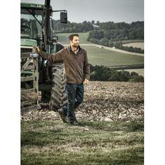 Il porte  Veste doublée Winterbourne AG4000 Dickies pour agriculture Vêtements pour agriculteurs chez Thaf