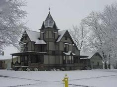 Beautiful old Victorian  The Dunnan-Hampton House in Illinois built in 1897