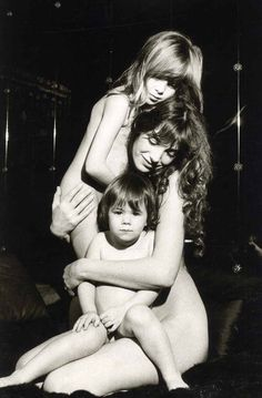 Jane Birkin and her two daugthers, Kate Barry and Charlotte Gainsbourg :: Giancarlo Botti, ca.1977