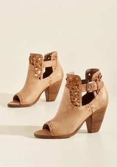 ffc9e192752 Now Watch Me Whip Stitch Leather Bootie Mocasines