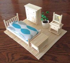 Barbie House Furniture, Doll Furniture, Dollhouse Furniture, Diy Arts And Crafts, Decor Crafts, Diy Popsicle Stick Crafts, Popsicle Stick Houses, Doll House Plans, Mini Doll House