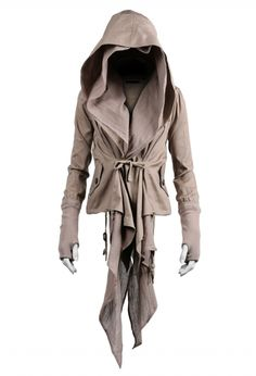this looks like a kick ass villain jacket or maybe assassins creed ;p