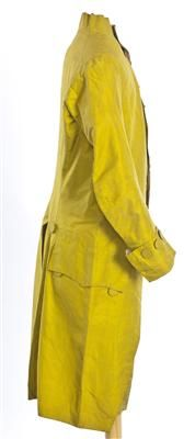 Ensemble (image 2) | Spain | 1785-1800 | silk | Textilteca CDMT | Museum #: 11635