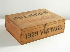 Antique Bulmer's Cider Bottle Crate Advertisement Wooden Box Hinged Lid 1928 UK Wooden Crate Boxes, Vintage Wooden Crates, Antique Wooden Boxes, Rustic Wooden Box, How To Antique Wood, Wood Boxes, Utensil Trays, Rustic Wood Background, Box Hinges