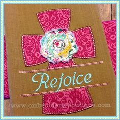 Split Cross with Raggy Flower Applique Applique Monogram, Applique Fabric, Machine Embroidery Applique, Flower Applique, Embroidery Ideas, Embroidery Boutique, Fabric Cards, Rag Quilt, Quilts