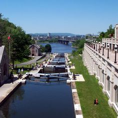 Ottawa Locks, from Chateau Laurier down to the Ottawa River All About Canada, Places Ive Been, Places To Visit, Ottawa Valley, Ottawa River, Niagara Region, Lake Huron, Largest Countries, Canada Travel