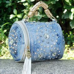 Cheap bag pouch, Buy Quality bag corn directly from China handbag lunch bag Suppliers:very interesting upcycled denim applique bag by alexandria^ Is this a sweet little bag, or what? And that extra large tassel? I love the sparkle ❇ the color, the Denim Handbags, Fashion Handbags, Fashion Bags, Denim Fashion, Jean Purses, Purses And Bags, Denim Purse, Denim Backpack, Backpack Purse