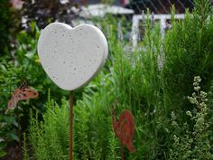 Sommerdeko aus Beton für den Garten