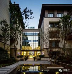 Architecture Building Design, Asian Architecture, Condo Design, Wall Design, Classic House Exterior, Ice Houses, Stone Facade, Hotels, Student House