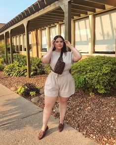 Image in collection by Haskell on We Heart It Fat Girl Outfits, Curvy Outfits, Plus Size Outfits, Fashion Outfits, Chubby Fashion, Curvy Girl Fashion, Plus Size Fashion, Cute Comfy Outfits, Pretty Outfits