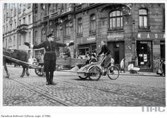 polish policeman directs traffic at the intersection of nowy swiat and ksiazeca streets, 1940 - pin by Paolo Marzioli Poland Ww2, Treaty Of Versailles, German Police, Krakow, Warsaw, Eastern Europe, Old Photos, Old Things, Germany