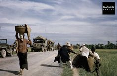 INDOCHINA (VIETNAM). May, 1954. On the road from Namdinh to Thaibinh//Robert Capa