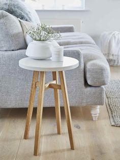 Svea Side Table - Chalk White This charming side table oozes Scandi style! With hardwood legs and a smooth white top, it's easy to style to your taste and use in your living room. Nordic Furniture, Scandinavian Furniture, Scandinavian Design, Nordic Design, Industrial Furniture, Vintage Furniture, Side Table Decor, Wooden Side Table, Side Table Styling