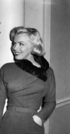 A George Vreeland Hill post. Marilyn Monroe Life, Marilyn Monroe Photos, Cinema Tv, Gentlemen Prefer Blondes, Norma Jeane, Old Hollywood Glamour, Pretty Pictures, American Actress, Celebs