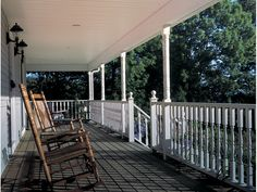 Southern House Plan Front Porch Photo - 038D-0023 | House Plans and More