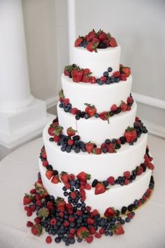 Charming Garden Berry Inspired Vintage Wedding Cake: Photo by Moss + Isaac, http://www.mossandisaac.com