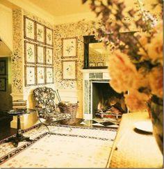 Black, cream gold Bessarabian rug, Renzo Mongiardino, Lee Radziwill, Turville entrance