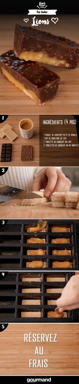 On récapitule : 1. Découpez vos gaufrettes à la taille de votre moule. 2. Faites fondre votre chocolat au lait. 3. Badigeonnez vos moules de ce chocolat et déposez vos gaufrettes. 4. Recouvrez chaque gaufrette de confiture de lait et réservez au frais. 5. Faites fondre doucement vos plaquettes de chocolat au riz soufflé et remplissez vos moule de ce chocolat. 6. Réservez au frais, c'est prêt !