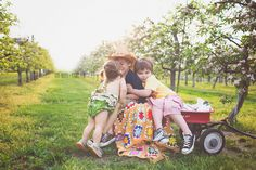 apple blossoms family kids 5boysand1girlmake6photography.com natural light photography