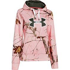 The Under Armour Camo Big Logo Hoody is a semi-fitted ArmourFleece sweatshirt made for all day comfort and warmth. Features a large Under Armour heat-sealed logo. Country Girls Outfits, Country Girl Style, Country Fashion, My Style, Country Life, Southern Style, Under Armour Camo, Under Armour Women, Pullover Hoodie