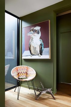 Hanging art at home is a skill, and interior designer James Treble reveals how to do it the right way. To help you get it spot on, he shares his top 3 tips for hanging artwork in your home. The Design Files, Design Blog, Small Sitting Areas, Steel Siding, Modern Shed, Casas Containers, Fish Creek, Hanging Artwork, Large Artwork
