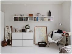 Art Symphony: Tiny, well-designed apartment