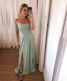 Beauty Night, Prom Dresses, Formal Dresses, Chic Dress, Fashion Outfits, Womens Fashion, Sexy, Ideias Fashion, Plus Size
