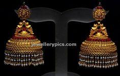 Big Jhumka buttalu by Bhima jewellers - Latest Jewellery Designs Gold Jhumka Earrings, Indian Jewelry Earrings, Jewelry Design Earrings, Gold Earrings Designs, Gold Jewellery Design, Antique Earrings, Gold Jewelry, Bridal Jewellery, India Jewelry