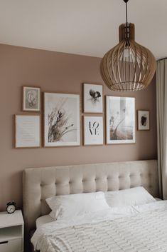 Bedroom Gallery Wall on a dusty pink wall. Light bedroom, velvet bed, wood, scandinavian living, scandi interior / Bilderwand im Schlafzimmer decor scandinavian Bedroom Gallery Wall - A Classy Mess Farmhouse Master Bedroom, Master Bedroom Makeover, Bedroom Colors, Home Decor Bedroom, Classy Bedroom Decor, Bedroom Colour Scheme Ideas, Paint Colours For Bedrooms, Pink Paint Colors, Wall Colours