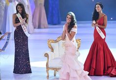 Miss South Africa and the 2014 Miss World, Rolene Strauss , reacts flanked by first runner up Miss Hungary Edina Kulcsar and second runner up Miss United States Elizabeth Safrit during the grand final of the Miss World 2014 pageant Miss World 2014, Celebrity Magazines, Celebrity Deaths, Prom Dresses, Formal Dresses, Old Models, Beauty Pageant, Latest Fashion Trends, Beautiful Pictures