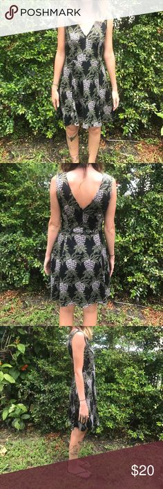 pineapple print dress sleeveless dress with a v cut in the front in back / tropical pineapple print / bought it at a h&m in Germany & have only worn out once or twice / perfect for the summer Dresses