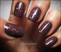 Nail Art by Belegwen: Peel Off -aluslakka folioliimalla
