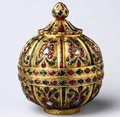 Индийская шкатулка. Золото, рубины, изумруды, бриллианты. Империя Моголов, 18 в.