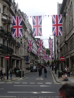 London's Jermyn Street is named after Henry Jermyn, the Ist Earl of St Albans, who laid out St James's Square in the 17th century. Sir Isaac Newton lived at number 86, and the poet Thomas Grey, Sir Walter Scott and Lord Nelson all had lodgings in the street