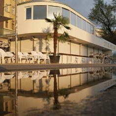 After the Rain #nofilterneeded  # #polditown #poldi1132 #wien #vienna #welovevienna #igersvienna #austria #österreich #leopoldstadt #igersaustria #vienna_city #viennaonly #myaustria #discoveraustria #at_city #wanderlust #diewocheaufinstagram #donaukanal #donaukanaltreiben #telavivbeach #neni #neverstopexploring #reflections #reflection_shotz #reflection_perfection #mirrorplay #puddlegram #exclusive_shot by leopold_stadt