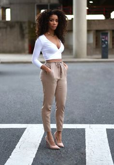 Pretty black girls, black girl fashion, woman fashion, look fashion, spring Casual Work Outfits, Office Outfits, Work Casual, Classy Outfits, Cute Outfits, Casual Wear, Work Attire, Sweater Outfits, Sexy Outfits