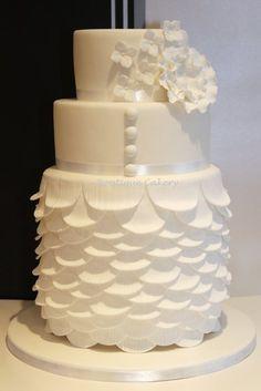 Wedding dress cake~ cute