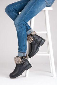 Kotníčkové boty s kožešinou https://cosmopolitus.eu/product-cze-49307-21TX-015G-R1B.html #Zimní #lovci #modní #damska #obuv #levny #stylovy #komfortní #prakticke