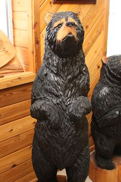 5ft tall bear chainsaw carved by Shawn Corbin of Chippewa Valley Chainsaw Carver. Chainsaw Carvings, Wood Carvings, Wood Sculpture, Sculptures, Carved Wood, Fun Projects, Wood Art, Cabins, Bears