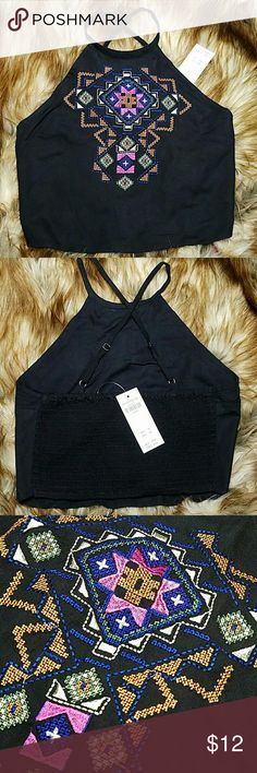 NWT! HOLLISTER XSMALL Aztec Embroidered Crop Top Perfect condition, never worn, with retail tag attached!  - ELASTIC / STRETCHY BACK - ADJUSTABLE STRAPS - FRONT SIDE HAS INNER LINING Hollister Tops Crop Tops